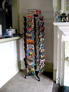 Comic book rack