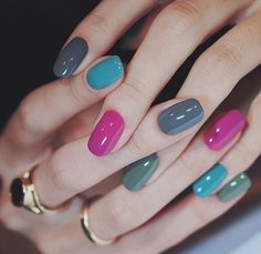 - We just only need to use a few different colors of nail polish to create great nail art. Many people think that designing unique graphics for nails … Gradient Nails, Gel Nails, Coffin Nails, Acrylic Nails, Solid Color Nails, Nail Colors, Colours, Stylish Nails, Trendy Nails