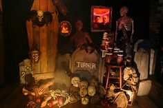 pics of halloween decorating | Halloween Home Decor, The Historic Irvington Halloween Festival ...