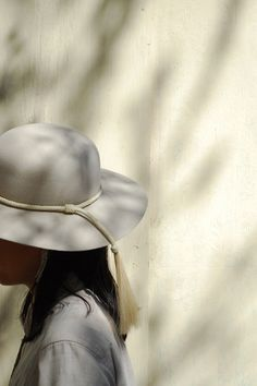 Ryan Roche Alabaster Top Hat Look Fashion, New Fashion, Womens Fashion, Fancy Hats, Trendy Jewelry, Thing 1, Minimal Fashion, Sewing Clothes, Hats For Women