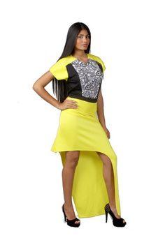Falda asimetrica amarilla de microfibra y top de lycra de la diseñadora venezolana Bancy