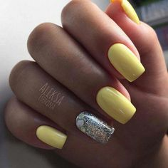 Pastel Yellow with Silver Touch Nail Art Design. Shinny and yellow – the perfect summer thing. Summer Holiday Nails, Holiday Nail Art, Nail Summer, Minimalist Nails, Yellow Nails, Pastel Yellow, Yellow Art, Nail Art Designs, Nails Design