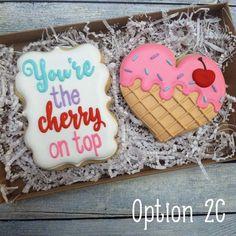 Valentine's Day Cookies Cupcakes, Cookies Cupcake, Valentine's Day Sugar Cookies, Sugar Cookie Royal Icing, Galletas Cookies, Fancy Cookies, Iced Cookies, Cute Cookies, Cream Cookies