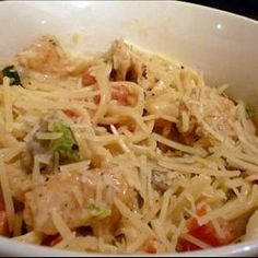 Cajun Chicken Pasta on BigOven: Serve up a spicy dinner for two with this hot and creamy linguini tossed with an eye-opening blend of chicken strips sauteed with Cajun seasoning, colorful bell peppers, mushrooms and onions. Cream, basil, lemon pepper and garlic powder finish the sauce.