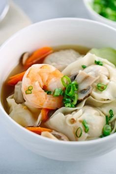 Easy Homemade Wonton Soup Recipe w/video- Each hearty bowl is packed with plump pork dumplings, fresh vegetables, and jumbo shrimp. This authentic Asian meal is fun to make! Homemade Chinese Food, Easy Chinese Recipes, Easy Soup Recipes, Cooking Recipes, Chinese Desserts, Pork Recipes, Healthy Recipes, Wonton Soup Recipe Authentic, Healthy Freezer Meals