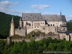 Château de Vianden dans les montagnes des Ardennes au Luxembourg