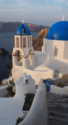 Greece Travel Inspiration - Catching the Sunrise in Oia, Santorini
