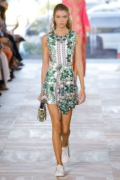 Tory Burch New York Spring/Summer 2017 Ready-To-Wear Collection