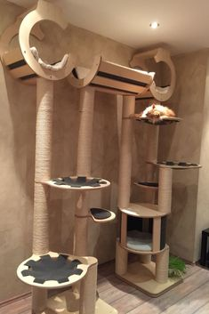 Cat tree for great cat happiness - vitoCAT – With this cat tree you want to be a cat … play, relax, scratch and watch. Diy Cat Tower, Cardboard Cat House, Cat Gym, Cat Tree Condo, Cat Stands, Cat Playground, Cat Decor, Cat Wall, Cat Accessories
