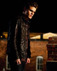"The Vampire Diaries ""Night of the Comet"" S1EP2"