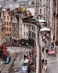 Aside from being a hub for UK business, Edinburgh is an enchanting cultural capital. Check out the eclectic Edinburgh Festival Fringe,… Places To Travel, Places To See, Ireland Travel Guide, Destination Voyage, England And Scotland, Scotland Travel, Scotland Trip, Castle Scotland, Skye Scotland