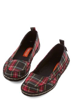 Walk Around the Dock Flat in Plaid. As you spot the dock in the distance, your quick steps in these plaid flats turn into an all-out sprint! #multi #modcloth
