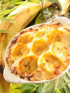 Gratin de bananes jaunes (bananes plantain) - The Best New Orleans Recipes Haitian Food Recipes, Mexican Food Recipes, Healthy Cooking, Cooking Recipes, Creole Recipes, Exotic Food, Caribbean Recipes, Spring Recipes, Food Menu