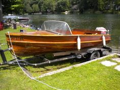 1947 GEISLER 16 FT CEDAR BOAT Wooden Boat Building, Wooden Boat Plans, Jet Ski, Wooden Speed Boats, Runabout Boat, Boat Restoration, Classic Wooden Boats, Boat Engine, Vintage Boats