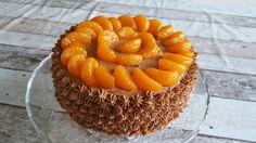 Biscuit met chococreme en mandarijntjes.