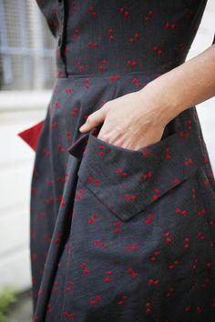 Vintage 50s Red Bowtie Full Skirt Day Dress por AnimalHeadVintage