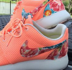 NIKE - ROSHE RUN / PEACH FLORAL http://moncler-online-shop.blogspot.com/    nike shoes,nike fashion style