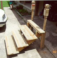 How to Build Portable Steps (summer porch decor how to build) Camper Steps, Summer Porch Decor, Rv Homes, Motor Homes, Building Stairs, Outdoor Steps, Wood Steps, Stairs Architecture, Wooden Stairs