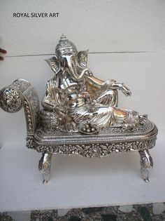 Silver idols Ganpati Decoration At Home, Silver Pooja Items, Ganesh Statue, Lord Ganesha, Home Decor Furniture, Antique Jewelry, Lion Sculpture, Idol, Goddess Lakshmi