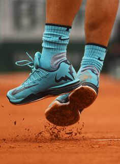 (AP) Nine-time champion Rafael Nadal begun his Roland Garros campaign with victory over Sam Groth in 80 minutes on Suzanne-Lenglen Court on Tuesday. He played flawless tennis througho… Atp Tennis, Tennis Workout, Nike Tennis, Play Tennis, Tennis Rafael Nadal, Rafael Nadal Fans, Tennis Sneakers, Air Max Sneakers, Outfits