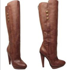 fe19e82de7b Steve Madden Leather Boots Size 9. Worn 3 times. Leather with a zipper on