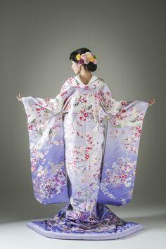 Traditional Japanese Kimono, Traditional Dresses, Japanese Geisha, Japanese Wedding Kimono, Japan Outfit, Japanese Outfits, Japan Fashion, Festival Wear, Kimono Fashion