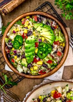 Super easy to make, this flavorful Tex-Mex Rice Salad is a wholesome twist and packed with nourishing plant powerhouse goodness. Healthy Salad Recipes, Whole Food Recipes, Vegan Recipes, Vegan Food, Healthy Food, Yummy Food, Eating Light, Rice Salad, Salad Ingredients