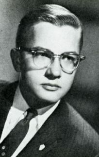 Famed Film Critic Roger Ebert     resembles Drew Carey here.