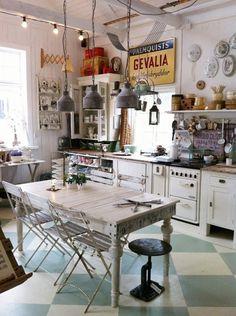 Home Design Home Recup Cuisine d'artiste bohème http://amzn.to/2jlTh5k