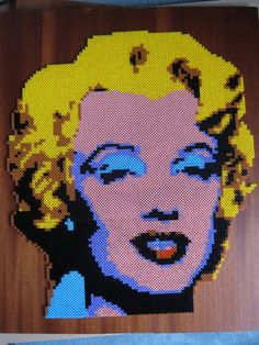 Marilyn Monroe hama beads (fait avec 16 plaques carrées ) by perleshama30