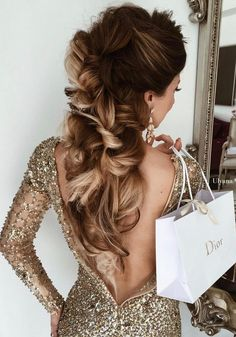 [vc_row][vc_column][vc_column_text] Wedding Hairstyle Inspiration We have the largest collection of wedding hairstylesin our Showrooms.[/vc_column_text][/vc_column][/vc_row][vc_row][vc_column][vc_masonry_media_grid s...