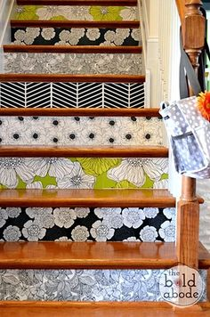 Stairs with Removable Wallpaper - reminder to think about stair risers as well Wallpaper Staircase, Of Wallpaper, Wallpaper Samples, Wallpaper Ideas, Amazing Wallpaper, Unique Wallpaper, Custom Wallpaper, Fabric Wallpaper, Flower Wallpaper