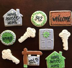Engagement Party Decorations, Diy Party Decorations, Royal Icing Cookies, Sugar Cookies, Housewarming Party Themes, Welcome Home Parties, House Keys, Cookie Designs, Cookie Ideas