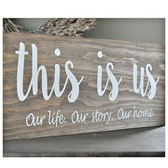 Use Pallet Wood Projects to Create Unique Home Decor Items – Hobby Is My Life Pot Mason Diy, Mason Jar Crafts, Unique Home Decor, Home Decor Items, Palette Diy, Painted Wood Signs, Painted Wood Crafts, Vintage Wood Signs, Rustic Vintage Decor
