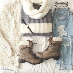 Cute layered look. Perfect for the crisp autumn air. Love the neutral colors and LOVE wearing white year round.