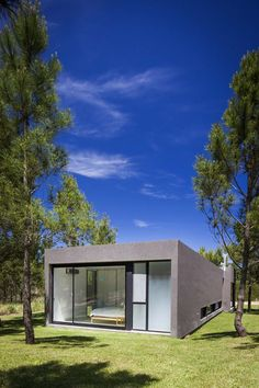 Image 9 of 25 from gallery of L House / Estudio PKa. Photograph by Alejandro Peral Minimalist House Design, Minimalist Home, Amazing Architecture, Architecture Design, Building A Small House, Beach Properties, Container House Design, Villa, Custom Homes