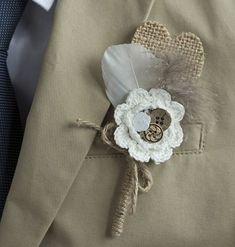 Blog: Un mariage au mois de septembre ?   Réalisez vous-même vos boutonnières en forme de cœur... avec de la toile de jute ! Artemio Créateur d'idées