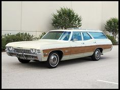 Chevrolet Caprice, Chevrolet Corvette, Chevy, American Classic Cars, Old Classic Cars, Station Wagon Cars, Caprice Classic, Pontiac Lemans, Woody Wagon