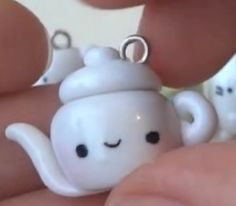 polymer clay teapot charm!!!! i need to make this . . . :)