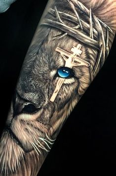 40 Photos lion tattoos [des femmes et des hommes] # 2 - Top Tattoos - 40 lion tattoos photos [of women and men] # 2 – top tattoos ideas tattoo - Religious Tattoo Sleeves, Lion Tattoo Sleeves, Wolf Tattoo Sleeve, Religious Tattoos, Best Sleeve Tattoos, Tattoo Sleeve Designs, Realistic Tattoo Sleeve, Lion Forearm Tattoos, Lion Head Tattoos