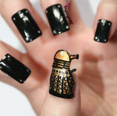 """Amazing """"Doctor Who"""" Nail Art, if there's one Doctor Who nerd fan in the room it's me ^_^"""