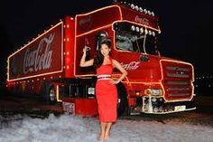 coke cola christmas lorry Coca Cola Christmas, World Of Coca Cola, Shades Of Red, Fifty Shades, Coke, Truck, Xmas, Coca Cola, Navidad