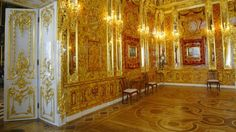 From a Russian national treasure looted by the Nazis to a da Vinci painting that no one has ever seen, find out more about eight of art history's missing masterworks. Friedrich Wilhelm I, Amber Room, Monument Men, Underground Bunker, Peter The Great, Secret Rooms, Imperial Russia, National Treasure, Wonders Of The World