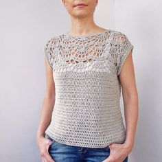 Crochet Blusas Design Pearl shell top - Pattern is written in US crochet terms. See more See less Pull Crochet, Gilet Crochet, Crochet Sheep, Crochet Blouse, Easy Crochet, Knit Crochet, Crochet Tops, Crochet Womens Tops, Crochet With Cotton Yarn