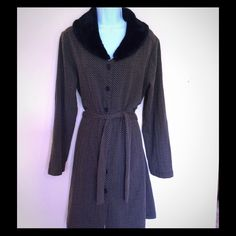 "Kathie Lee Collection Faux Fur Collar Light Coat Gently used, free of any rips, tears or stains; neckline to hem is 36""; 72% polyester 28% cotton Kathie Lee Jackets & Coats"