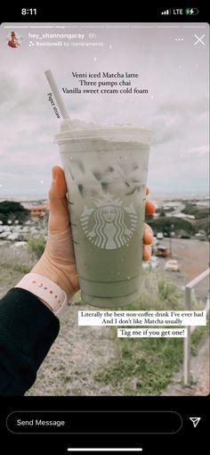 Healthy Starbucks Drinks, Yummy Drinks, Coffee Drink Recipes, Coffee Drinks, Smoothie Drinks, Smoothies, Starbucks Secret Menu Drinks, How To Order Starbucks, Starbucks Latte