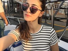 Ananya Pandey cutest bollywood new comer Indian Actress from student of the year 2 insane beauty face unseen latest hot sexy images of her . Indian Bollywood Actress, Beautiful Bollywood Actress, Beautiful Actresses, Indian Actresses, Hot Actresses, Bollywood Outfits, Bollywood Girls, Bollywood Stars, Bollywood Celebrities
