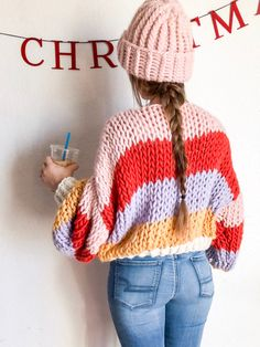 Discover recipes, home ideas, style inspiration and other ideas to try. Crochet Patterns For Beginners, Knitting Patterns Free, Easy Sweater Knitting Patterns, Crochet Ideas, Quoi Porter, Easy Knitting, Knitting Needles, Knitting Club, Knit Crochet