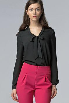 Bluzka+z+wiązaniem+na+dekolcie+b56+-+czarny+w+NIFE+Fashion+na+DaWanda.com