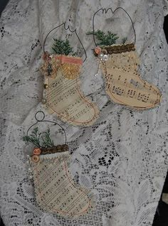 Diy Christmas Tags Sheet Music 15 Ideas For 2020 Music Christmas Ornaments, Diy Christmas Tags, Noel Christmas, Christmas Paper, Christmas Projects, Handmade Christmas, Vintage Christmas, Victorian Christmas, Christmas Ideas
